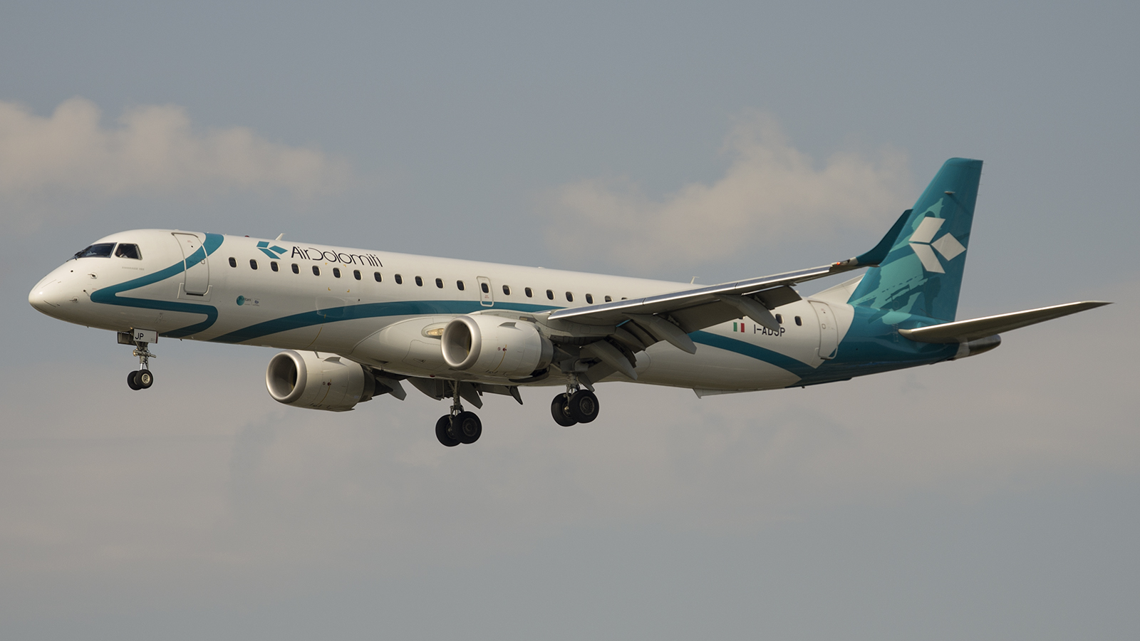 Embraer 195LR I-ADJP Air Dolomiti
