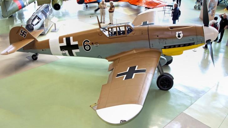 IMGP6100 Messerschmitt Bf-109G-2-Trop Luftwaffe 10639