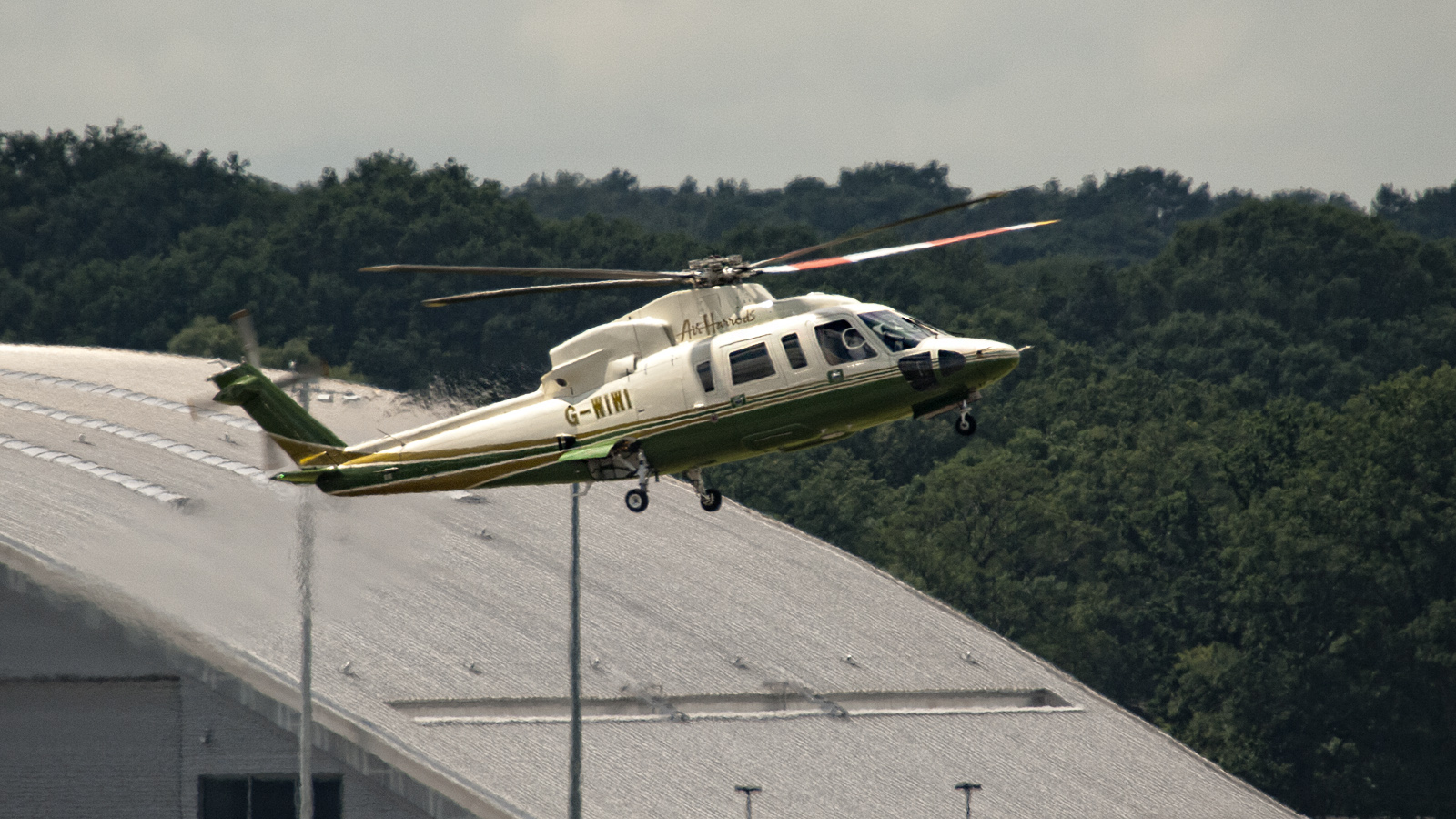 Sikorsky S-76C++ G-WIWI Air Harrods