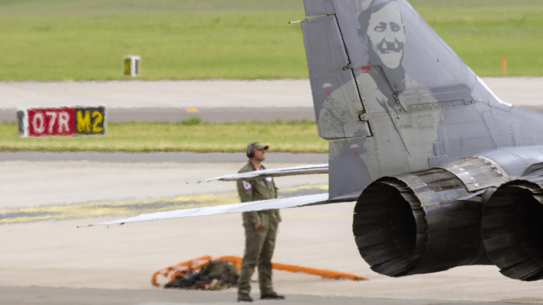 _IMG2026 Mikoyan-Gurevich MiG-29A 9-12A 105 Polish Air Force Blurry Crewmember
