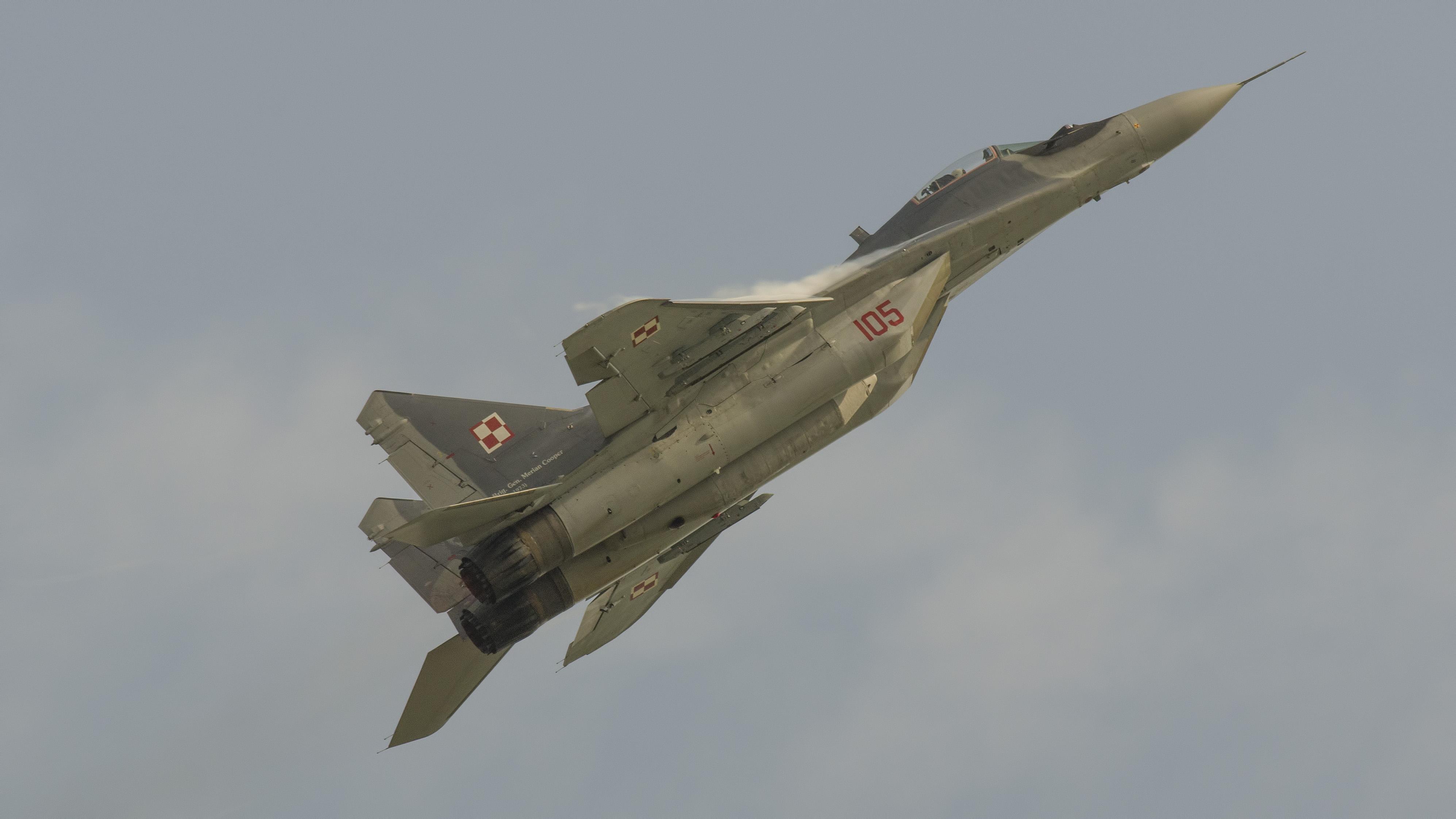 _IMG2069 Mikoyan-Gurevich MiG-29A 9-12A 105 Polish Air Force