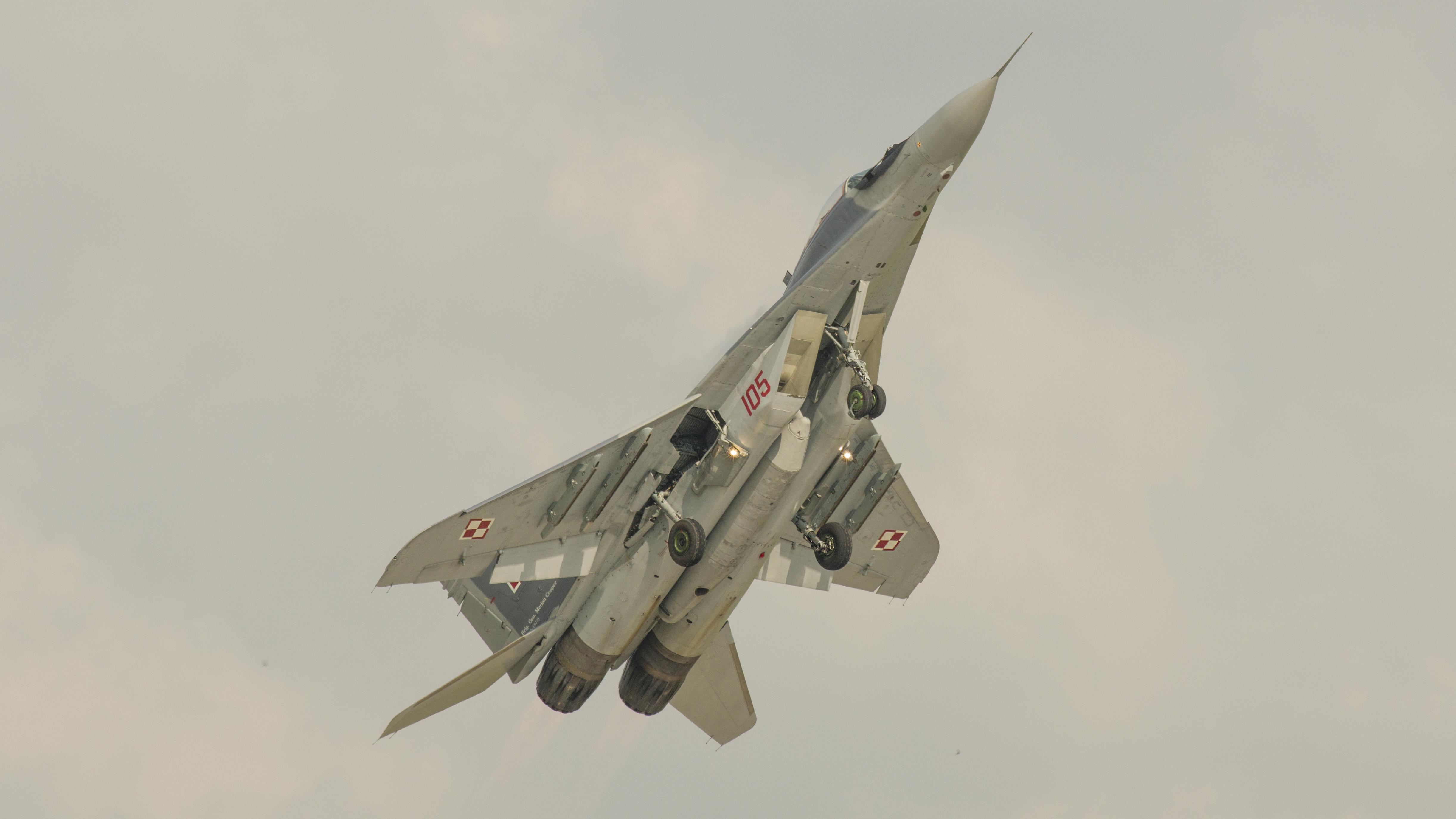 _IMG2096 Mikoyan-Gurevich MiG-29A 9-12A 105 Polish Air Force