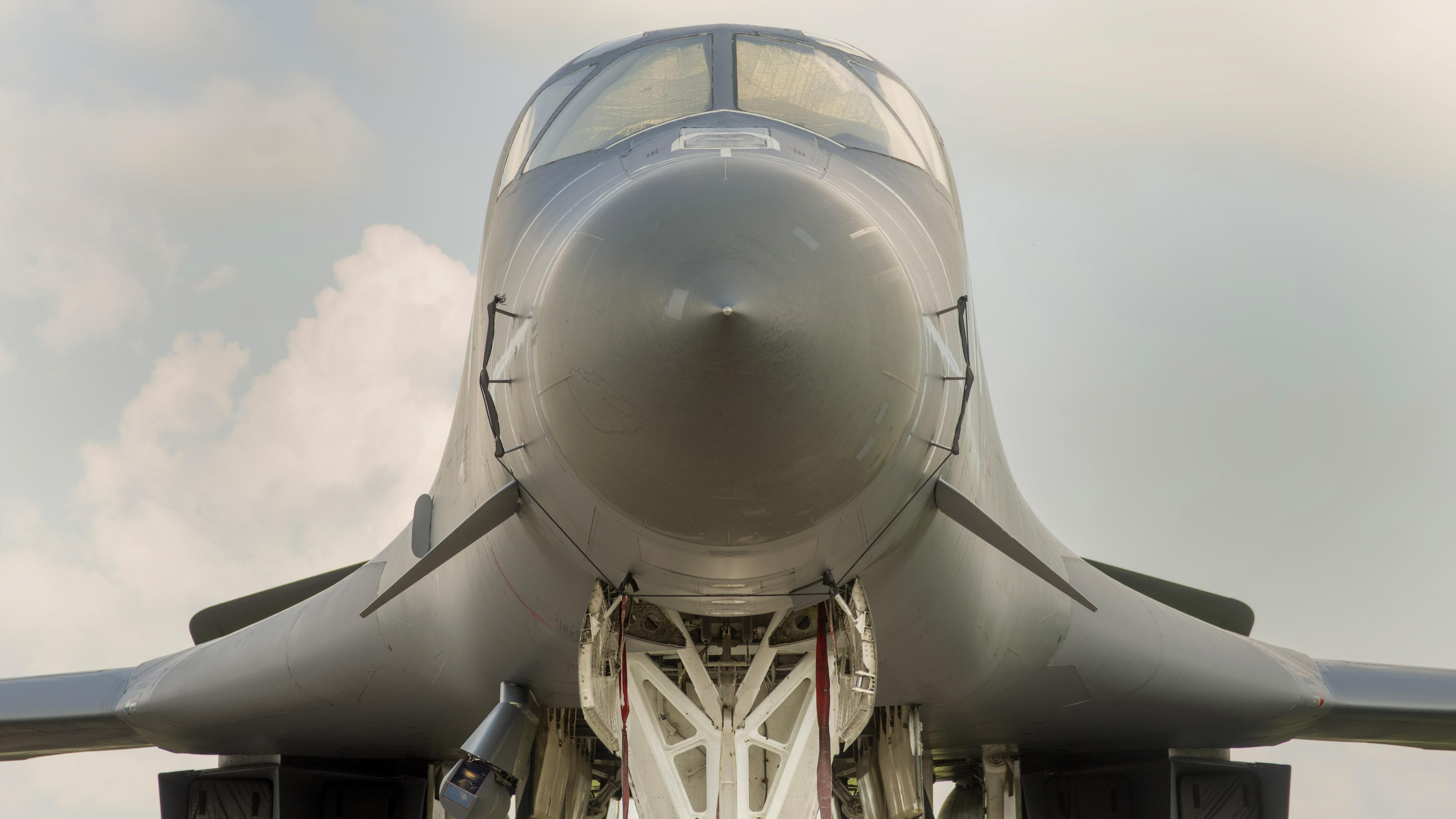 _IMG2257 Rockwell B-1B Lancer USAF 86-0111
