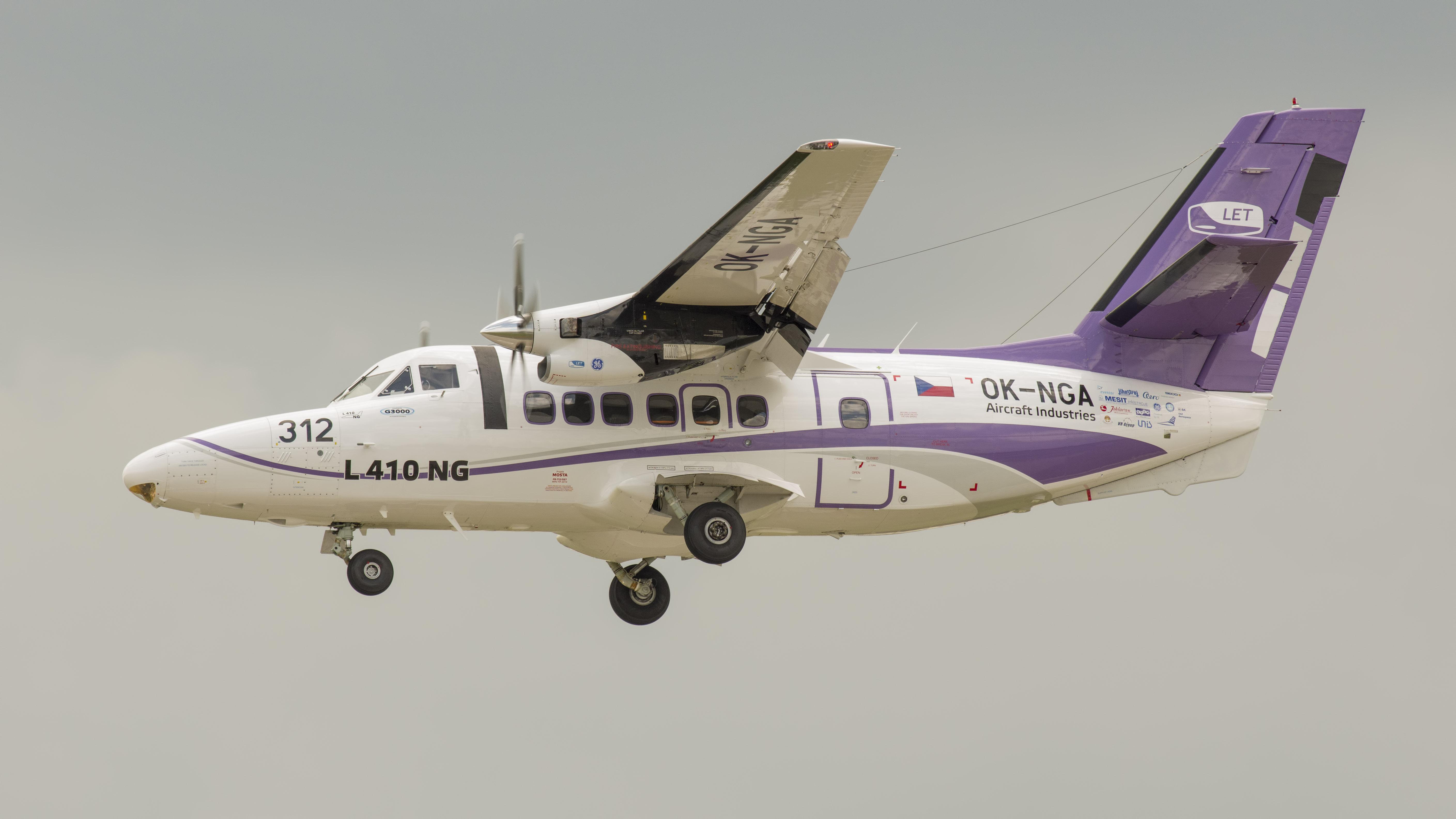 _IMG2652 L-410NG OK-NGA LET Aircraft systems