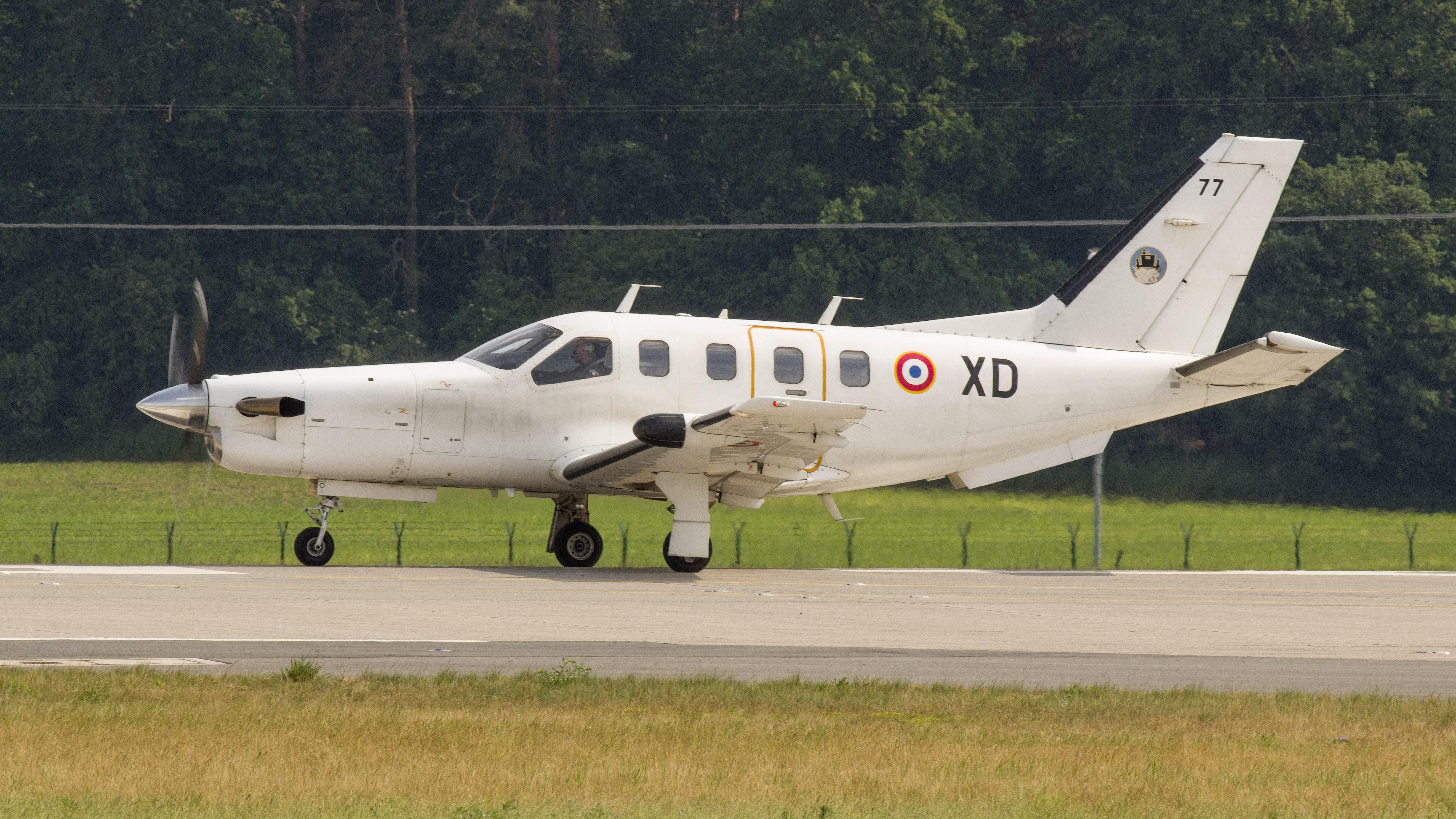 _IMG2863 Socata TBM-700 XD 77 France air force