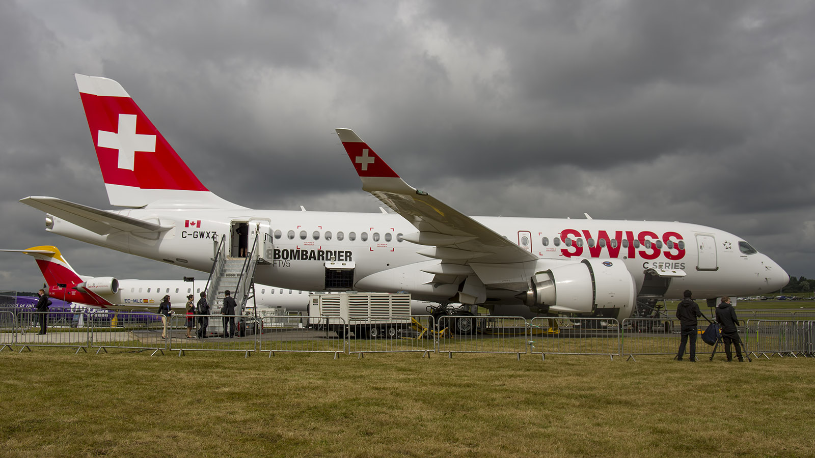 _IMG5473 Bombardier BD-500-1A10 CSeries CS100 Swiss C-GWXZ s