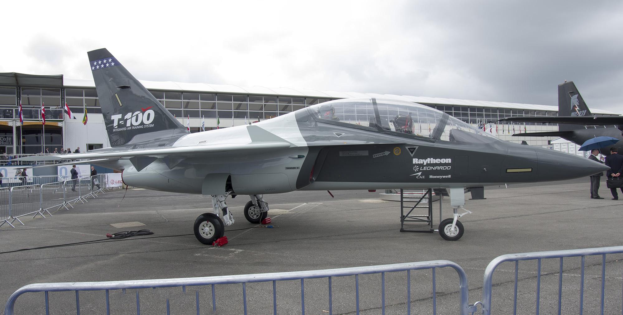 _IMG5549-5550 Raytheon T-100 Mockup s