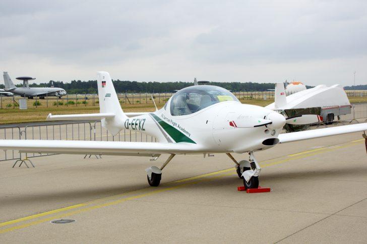 Aquila A210 D-EFXZ/27 RWL German Flt Academy