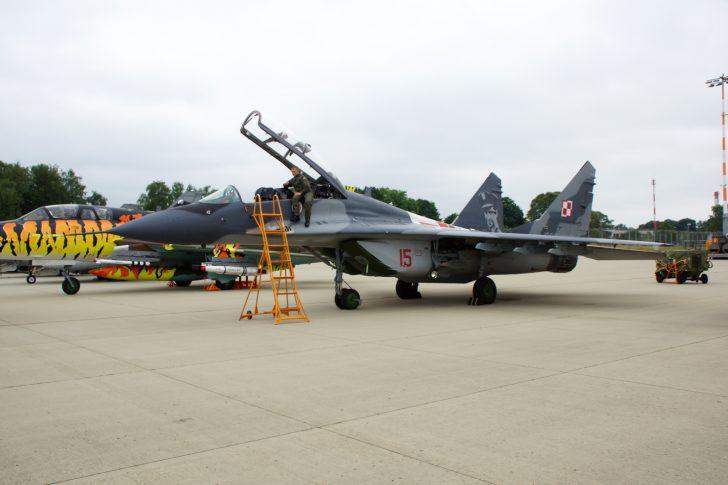 Mikoyan Gurevich MiG-29UB 15 23 BLT (1elt) Polish Air Force