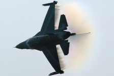 imgp6991-baf-f-16am-demo-hard-turn-shockwave-vapor